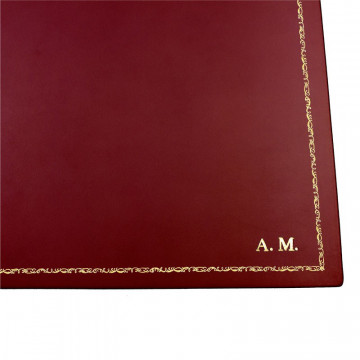 Ruby leather desk pad, burgundy calf leather - Conti Borbone - Customizable mat - Front - 106 decoration - block letters