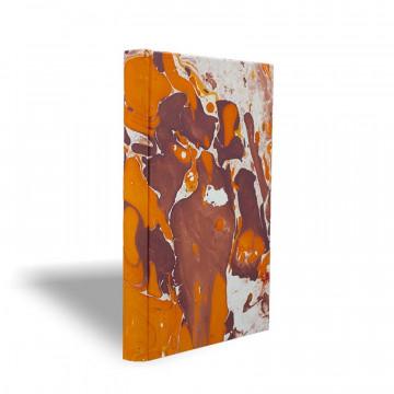 Quaderno in carta marmorizzata a mano arancione bianco marrone Merida - Conti Borbone - made in Italy prospettiva