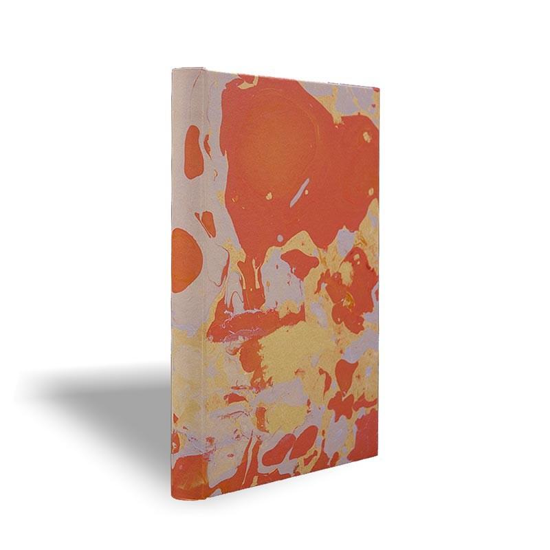 Quaderno in carta marmorizzata a mano arancione corallo grigio Elisa - Conti Borbone - made in Italy prospettiva