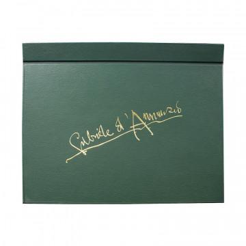 Sottomano Gabriele d'Annunzio realizzato a mano in similpelle verde - Conti Borbone - fronte